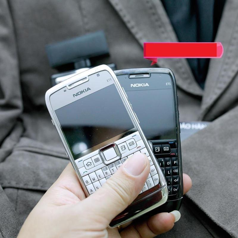 Điện thoại cổ Nokia E71 vỏ kim loại bàn phím QWERTY