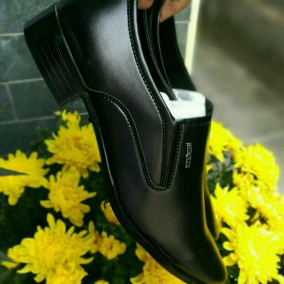 Giày công sở cao cấp giá tận xưởng trong top giày tây bán chạy trong tháng giá rẻ