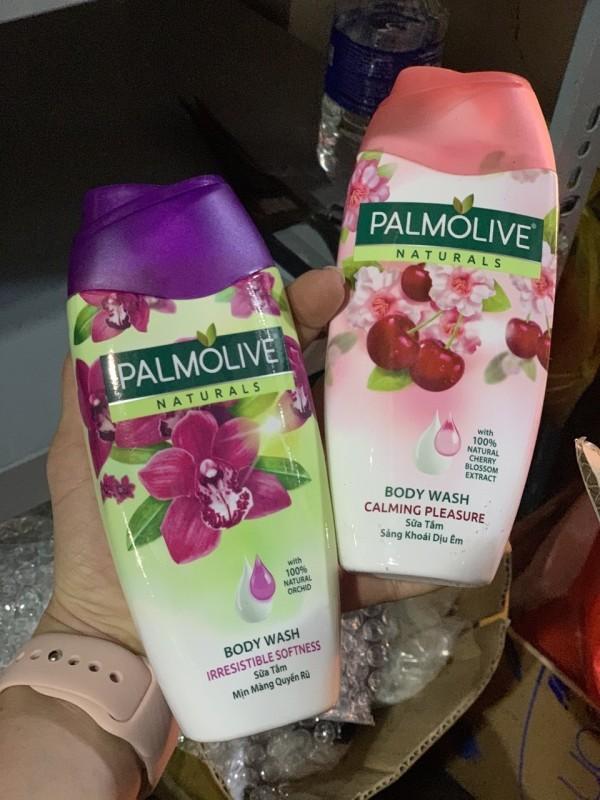 (HÀNG TẶNG 1 CHAI) Sữa tắm Palmolive HỒNG ( chai 200gr)