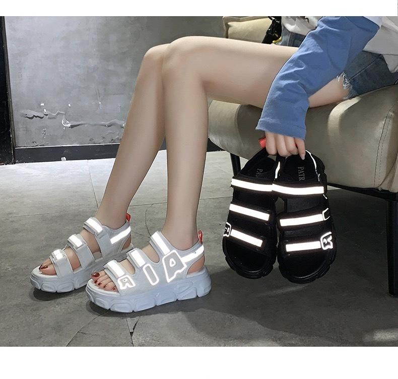 Sandal Nữ 3 Quai Viền Phản Quang, Đế Xịn 3cm, Kiểu Dáng Hàn Quốc-Hot Trend 2 Màu Ban Chạy 2020- Hàng Nhập Xịn Cùng Giá Khuyến Mãi Hot