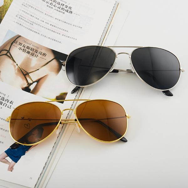 Giá bán Kính nam thời trang P125, kính mát nam gọng kim loại đi biển, đi du lịch