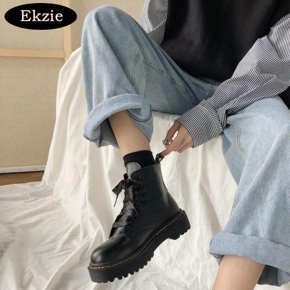 2021 mới đường phố retro phong cách Anh đầu to đầu tròn gót trung gót dày mặc ống thấp dày dày Martin boots nữ đầu máy ren mùa xuân và mùa thu giày bốt ngắn tất cả phù hợp giá rẻ