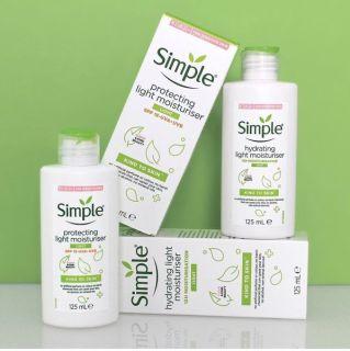 (Mẫu mới) Kem Dưỡng Ẩm Simple Kind To Skin Hydrating Light Moisturiser 125ml (DA DẦU) thumbnail