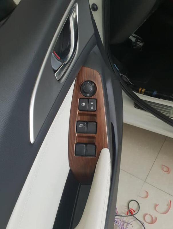 Ốp trang trí nội thất Mazda 3 2017-2019( vân gỗ)