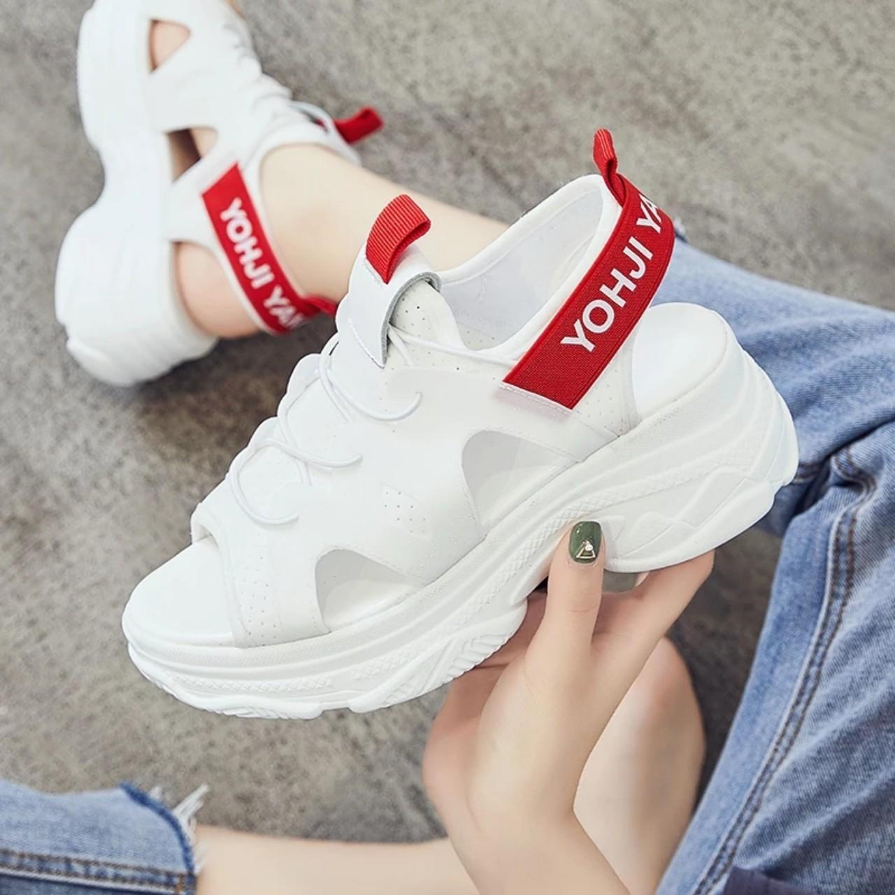 Sandal đế cao chữ Yamamoto / Video Shop Quay /
