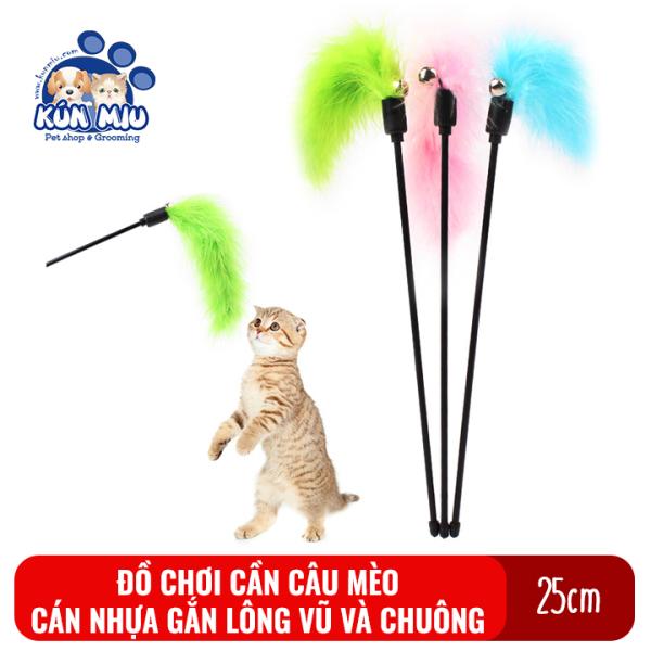 Đồ chơi cho mèo cần câu nhựa gắn lông vũ và chuông Kún Miu độ dài cán 25cm