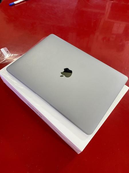 Bảng giá Macbook Air 2020 core i3 gen 10 Ram 8G SSD256 13in giá rẻ Phong Vũ