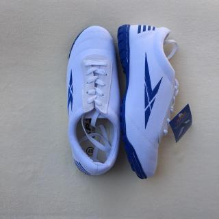 Giày đá bóng chuyên dụng thành phát đinh dăm TP1102 thumbnail
