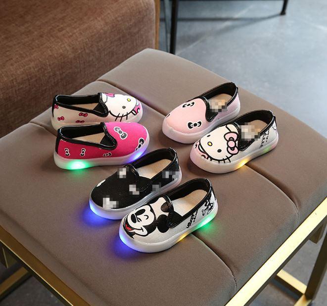 Giá bán Giày cho bé có đèn led 601
