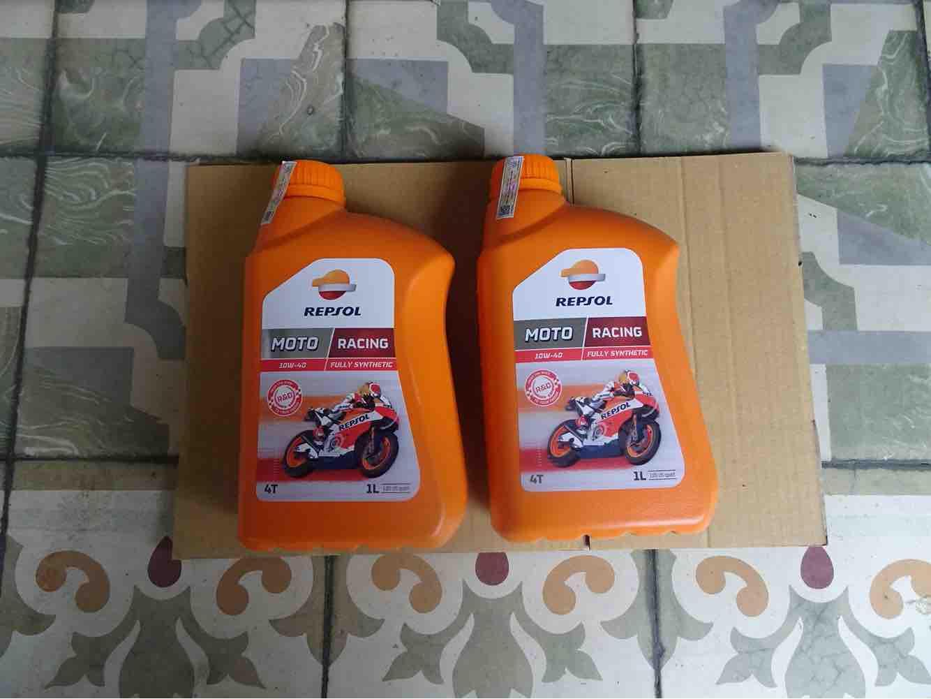 Combo 2 chai nhớt Repsol Racing 10w40 Nhật Bản