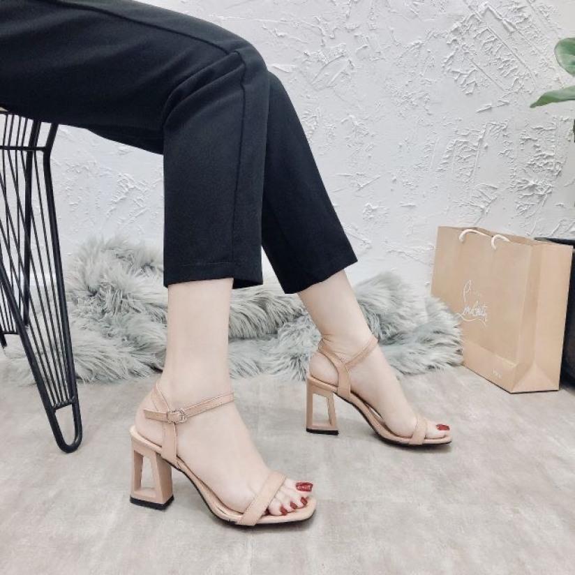 giày sandal cao gót đế 7cm khoét lỗ siêu xinh hàng full box giá rẻ