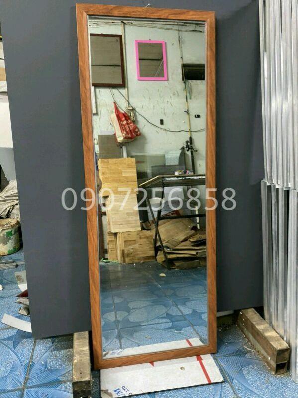 Gương soi toàn thân vân gỗ (42x1m10)