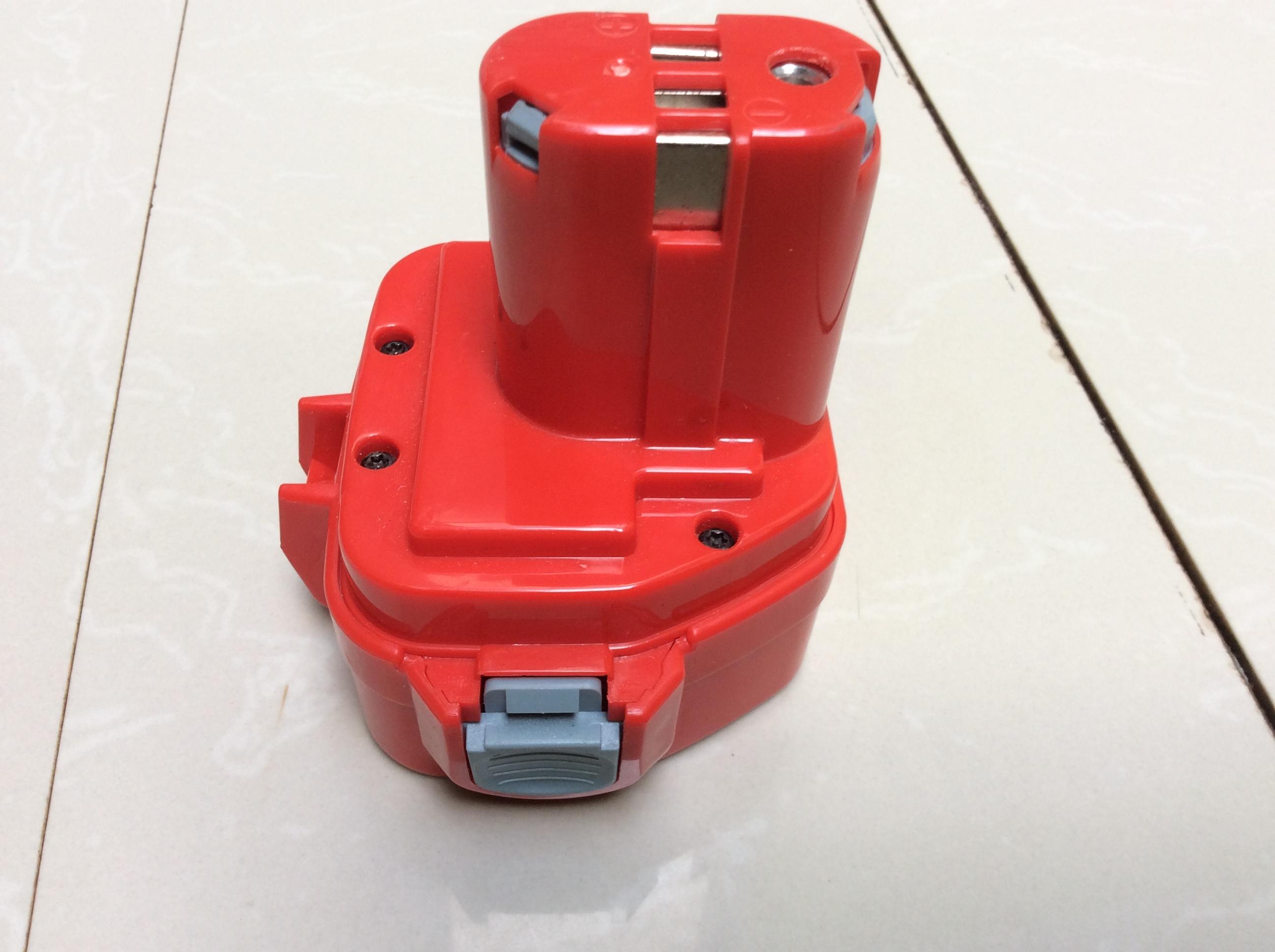 Pin Makita 12V 2.2A Được Làm Từ Pin TianlVN Mới
