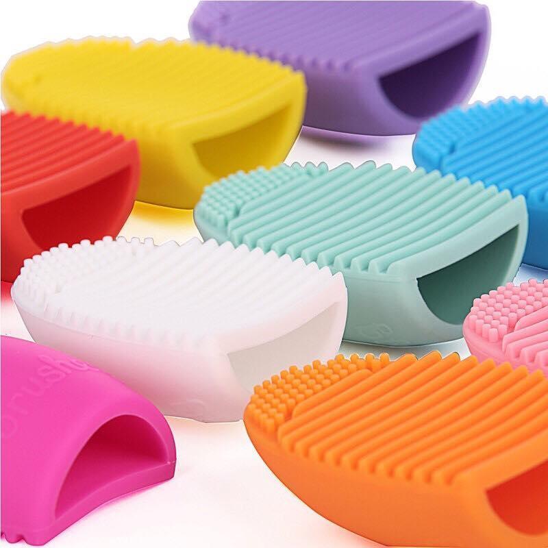 Dụng cụ vệ sinh cọ trang điểm Silicon - Trứng vệ sinh chổi đánh phấn
