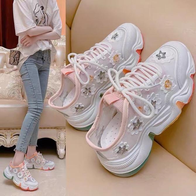 Giày sneaker nữ hoa cúc hot trend giá rẻ