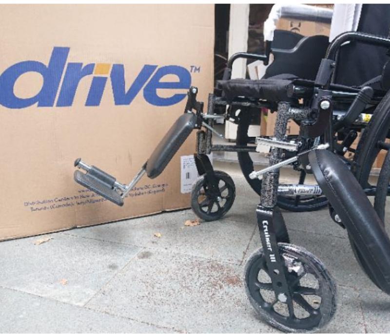 Xe lăn cao cấp  thiết kế thông minh gọn nhẹ DRIVE CRUISER III