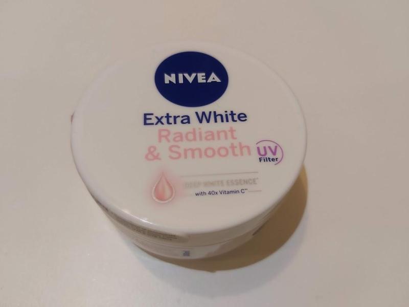 NIVEA EXTRA WHITE