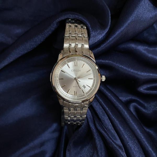 Đồng hồ nữ thời trang Citizen mặt số la mã, kiểu dáng thanh lịch sang trọng