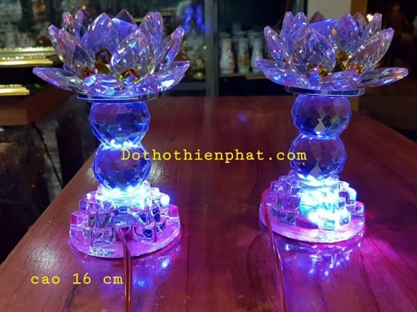 Cặp đèn thờ đá pha lê cao cấp Led tự động đổi 7 màu cao 16cm