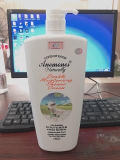 COMBO 2 CHAI DÊ Sữa Tắm Trắng Da Dưỡng Ẩm Tinh Chất Sữa Dê Chai 1200ml tắm trắng khử mùi cơ thể - dầu thơm - tắm và chăm sóc cơ thể phụ kiện phòng tắm sữa tắm- sức khỏe làm đẹp- SỮA TẮM CON DÊ THÁI LAN CAO Cấp thumbnail
