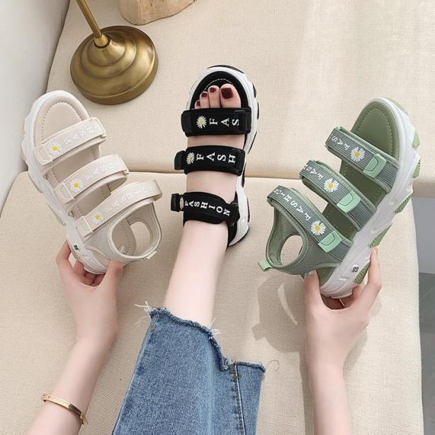 (3 MÀU) Sandal nữ thời trang 3 quai ngang hoa cúc đẹp trẻ trung Kem Đen Xanh cực trẻ trung giá rẻ