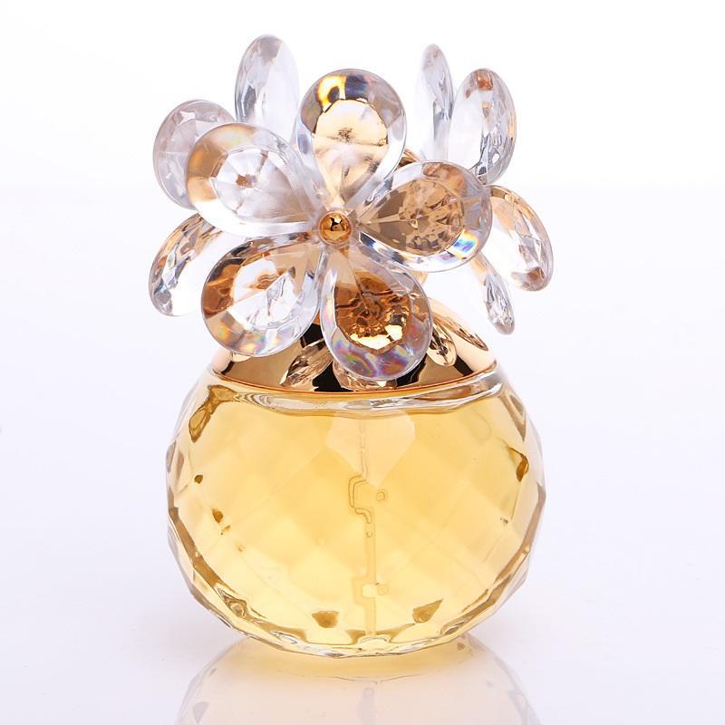 Tinh dầu nước hoa nữ Happy Flower ngọt thơm quyến rũ lưu hương lâu chai 60ml ( Màu vàng )