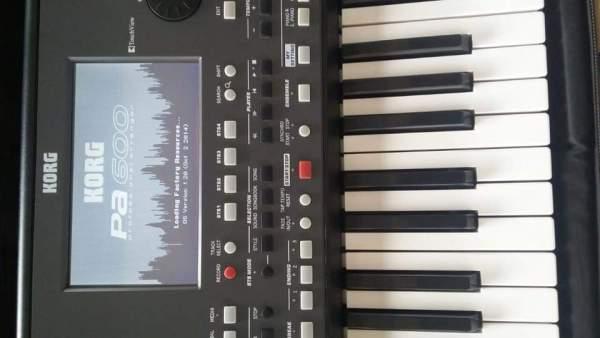 Đàn Organ Korg Pa600
