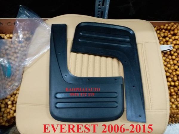 Chắn bùn bánh sau xe ô tô Ford Everest 2006-2015