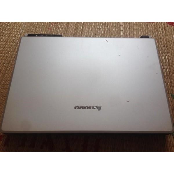 Laptop cũ lenovo Y400, Y410 Co2, ram3gb, ổ160gb, man14.1, hình thức đẹp, giá rẻ