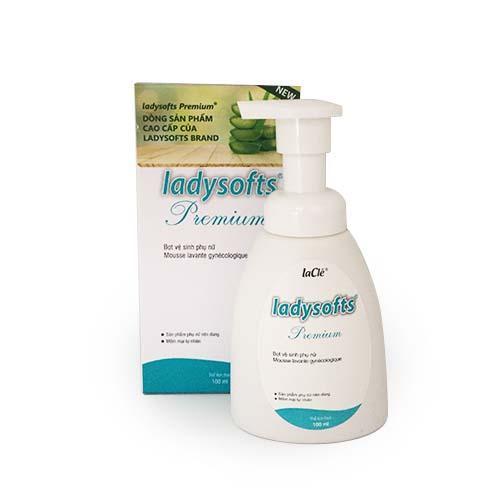 Combo Bọt rửa phụ khoa Ladysoft premium 100ml kèm Ayame Day by Dy 200ml