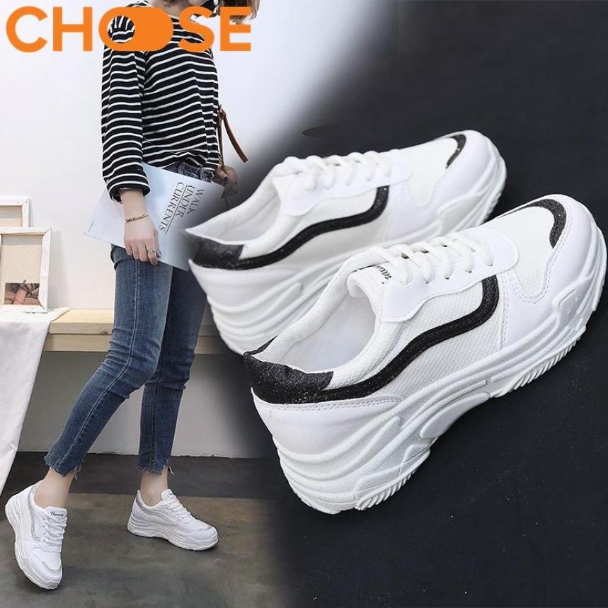 Giày Nữ Sneaker Đế Độn Giày Thể Thao Nữ Giày Bata Giày Lười Màu Trắng Mẫu Mới Mùa Hè Phối Viền Phong Cách Năng Động Mới 2907 giá rẻ