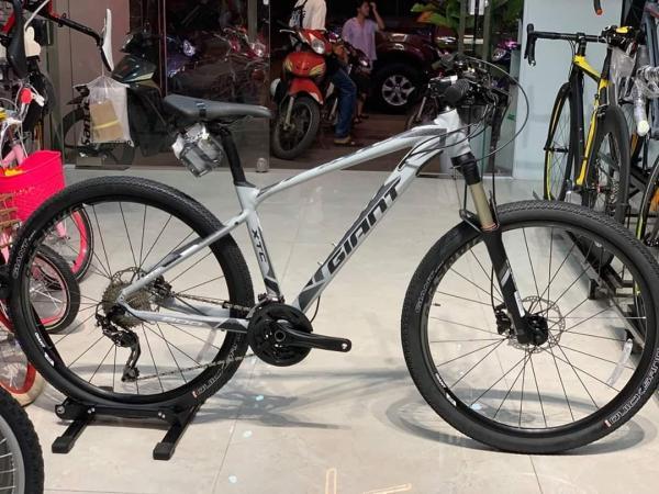 Phân phối xe đạp thể thao GIANT XTC 800 2019