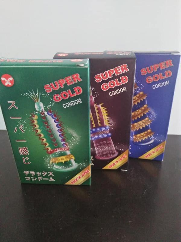 BỘ 3 BAO CAO SU SUPER GOLD (PHẦN ĐẦU, THÂN CÓ NHIỀU BI, RÂU, GAI BẰNG SILICON MỀM MẠI) cao cấp