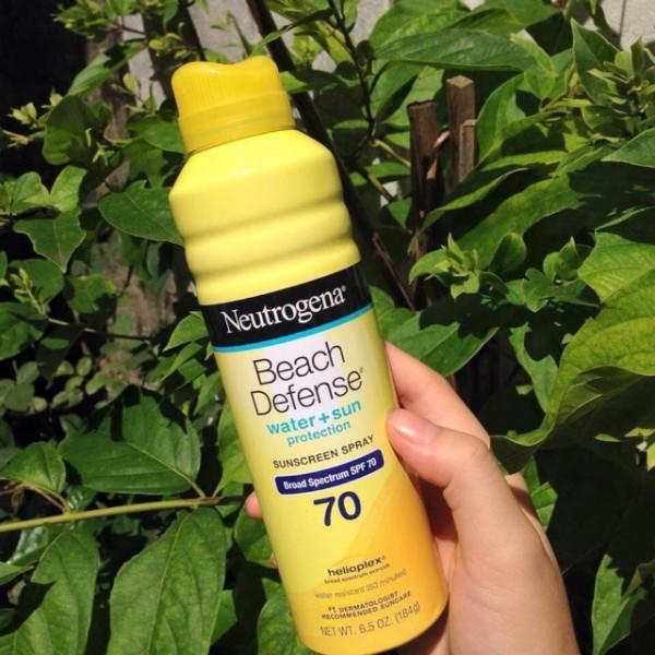 Kem chống nắng dạng xịt Neutrogena Beach Defense SPF 70+