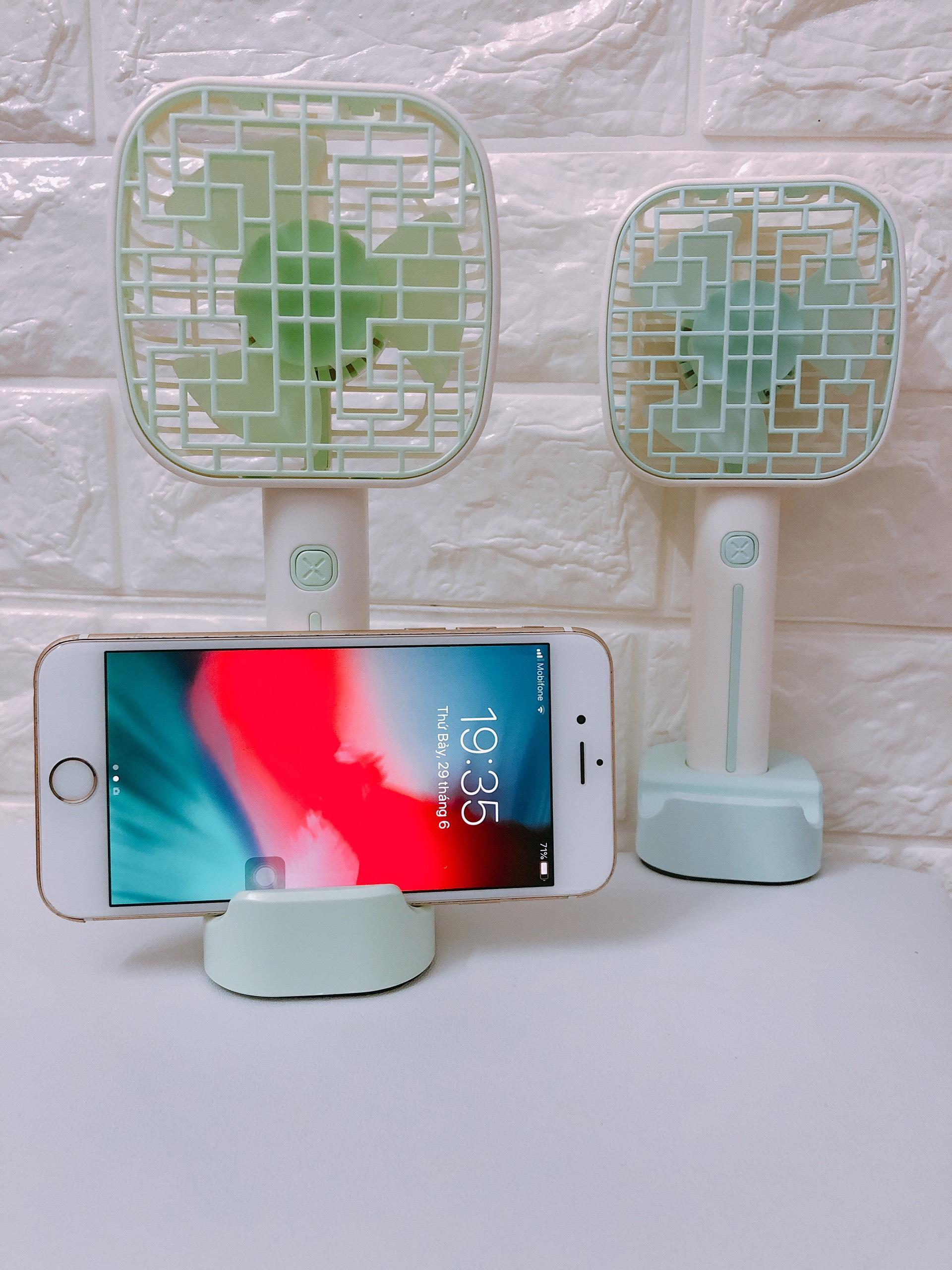 Quạt sạc tích điện cầm tay Q9 có đèn led và đế kẹp điện thoại tiện lợi