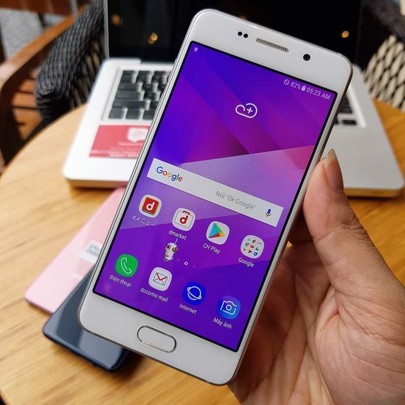 Điện thoại Samsung Galaxy Feel - Docomo SC-04J Ram 3GB cao cấp, sử dụng tiếng Việt