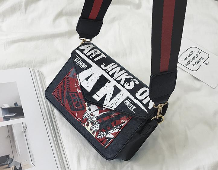 Túi đeo chéo A.N cá tính