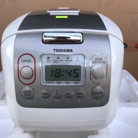 Nồi Cơm điện Tử Toshiba 1.8 Lít RC-18NMFVN(WT) [Hàng Trưng Bày Giảm Giá 50%] Giá Tốt Nhất Thị Trường