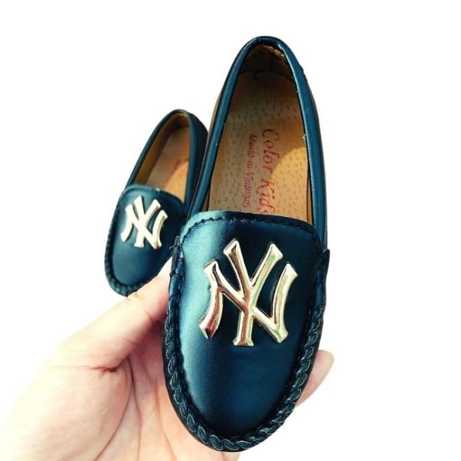 Giày lười da bé trai giá rẻ