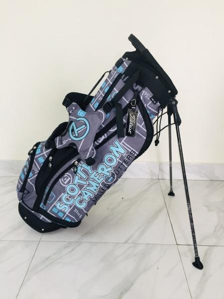 túi đựng gậy golf chân chống- scostty cameron NEW