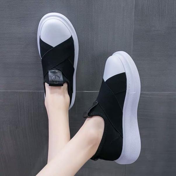 Giày đế bằng kiểu dáng mới giá rẻ