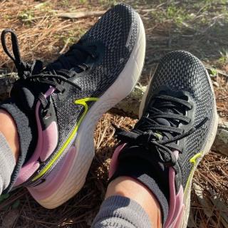 Giày Thể Thao Nữ Nike ZoomX Invincible Run Flyknit thumbnail
