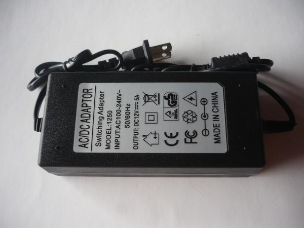 Bảng giá Nguồn Adapter 12v5A cho bơm mini đèn led bơm khí Phong Vũ