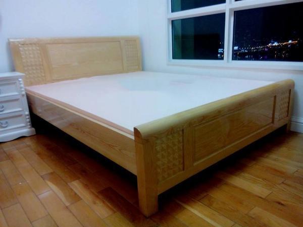 Giường gỗ sồi nhập mẫu trám
