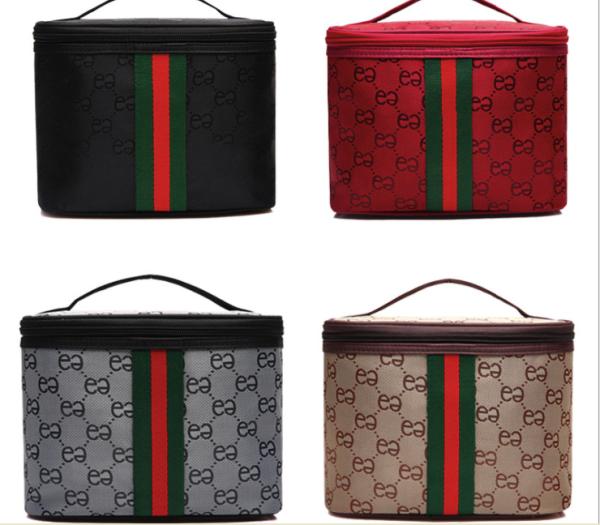 Túi Đựng Mỹ Phẩm Du Lịch Chống Thấm Nước Vuông Hoạ Tiết Gucci P051