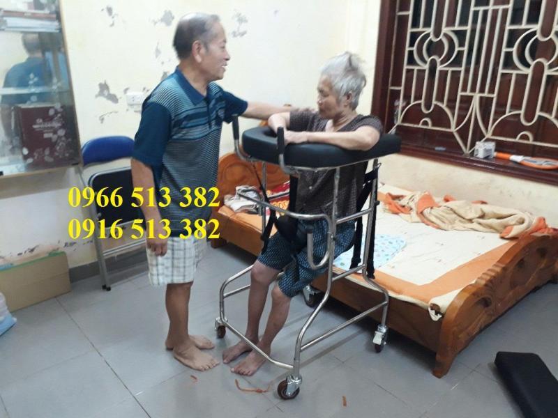 Khung tập đi cho bệnh nhân tai biến và bệnh nhân liệt