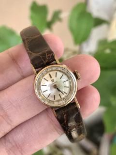 Đồng hồ nữ TISSOT của Thụy Sĩ thumbnail