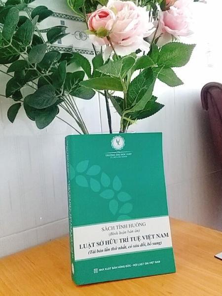 Mua Sách tình huống (Bình luận bản án) Luật Sở hữu trí tuệ Việt Nam