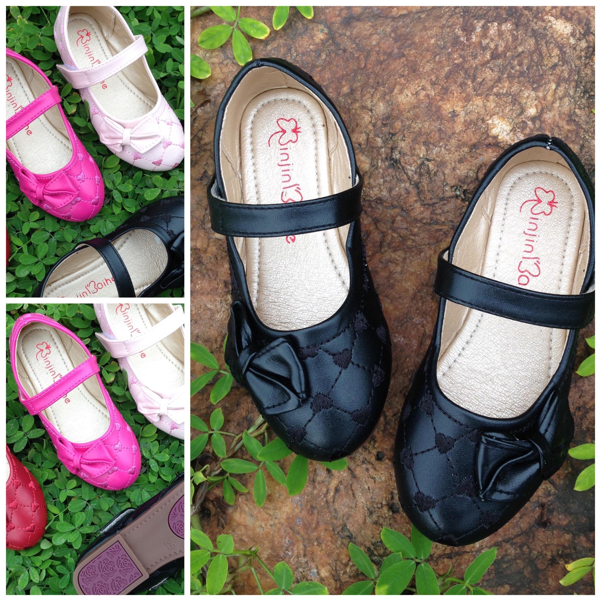 Giá bán Giày sandal cho bé gái thêu trái tim sz25-34 Màu đen