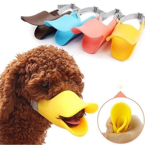 Rọ mõm chó hình mỏ vịt silicon size s (dùng cho chó 2-4kg) được thiết kế bằng chất liệu silicon mềm dẻo hạn chế tối đa những vết xước khi va chạm
